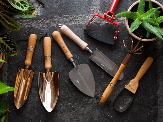 Lựa chọn dụng cụ làm vườn chất lượng cao hợp giá tiền . Dụng cụ làm vườn chất lượng